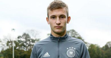 Toptalent Torben Rhein verlängert beim FC Bayern